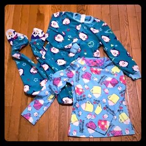 Girls Size 8 Pajamas bundle of 2: footie's and top